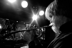 Tom Harrell image